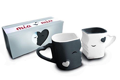 Mia Mio - Kaffeetassen/Küssende Tassen Geschenk Set zu Weihnachten für Eltern/Freund/Freundin aus Keramik (Grau)