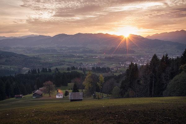 Sonnenuntergang in den Bergen. Landschaftsbild Bild Leinwand Bilderrahmen günstig kaufen
