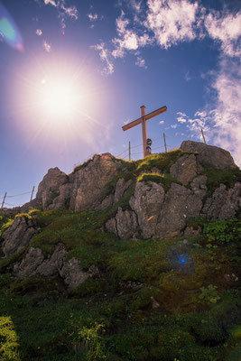Gipfelkreuz am Nebelhorn. Landschaftsbild Bild Leinwand Bilderrahmen günstig kaufen
